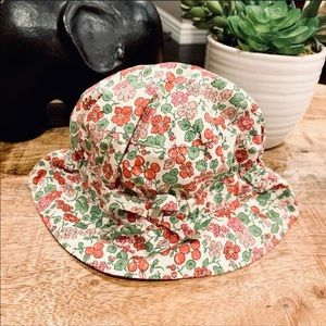 BABY GAP New Bucket Hat 🍒 Cherry Print